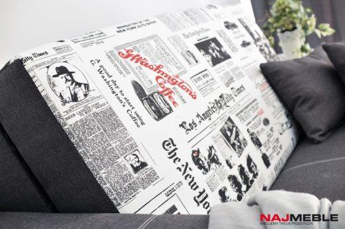 sofa z gazetą